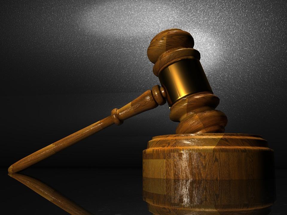 Prezident si vybral ústavných sudcov: Mamojku, Laššákovú a Duriša