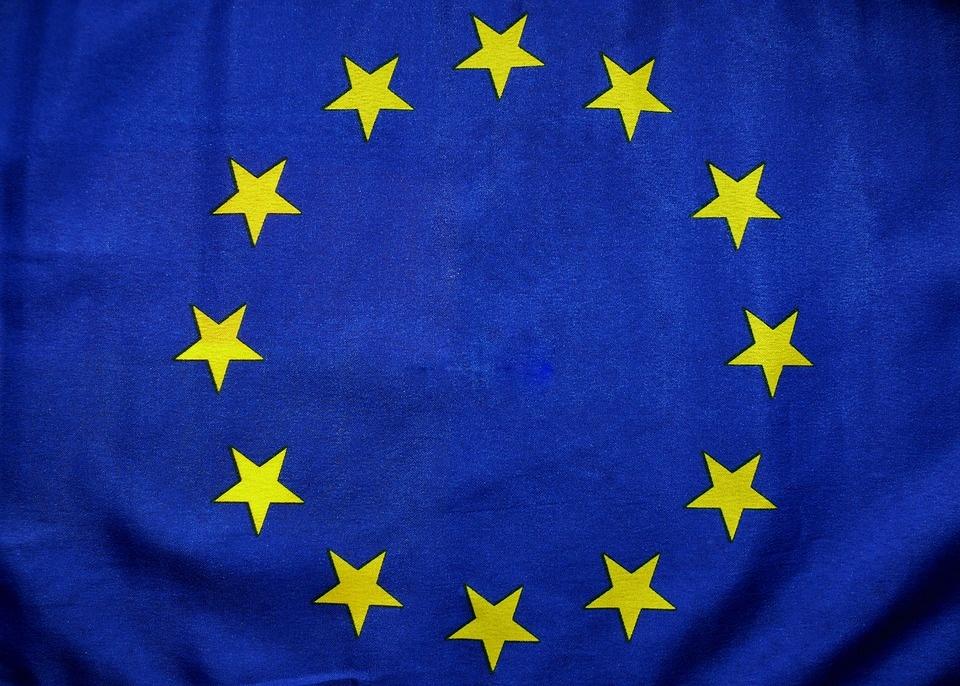 Podľa Kažimíra by mali členské štáty prestať súperiť v daňovej oblasti