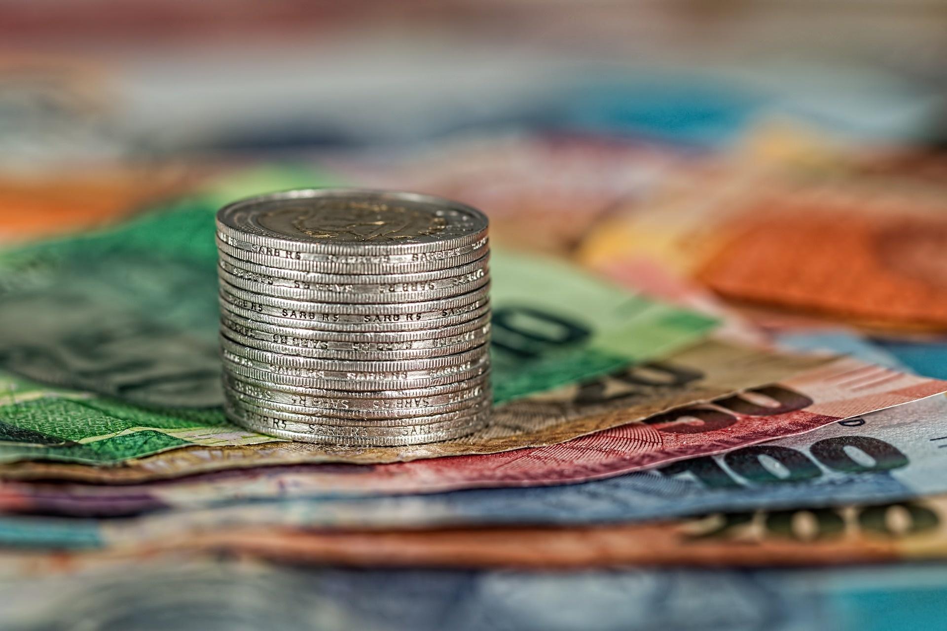 Slovenské banky zvyšujú ceny služieb a zavádzajú nové poplatky
