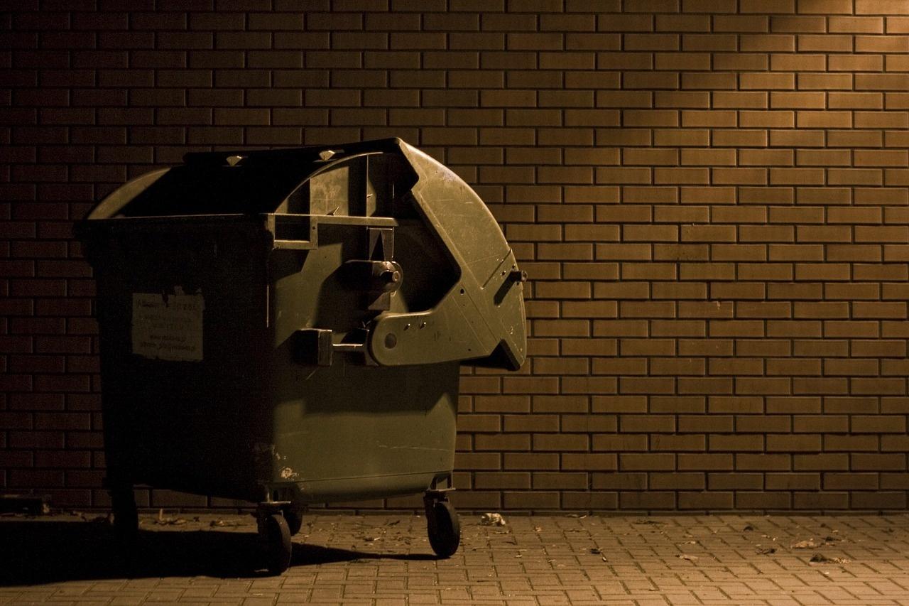 Approvato in parlamento l'aumento delle tasse sui rifiuti