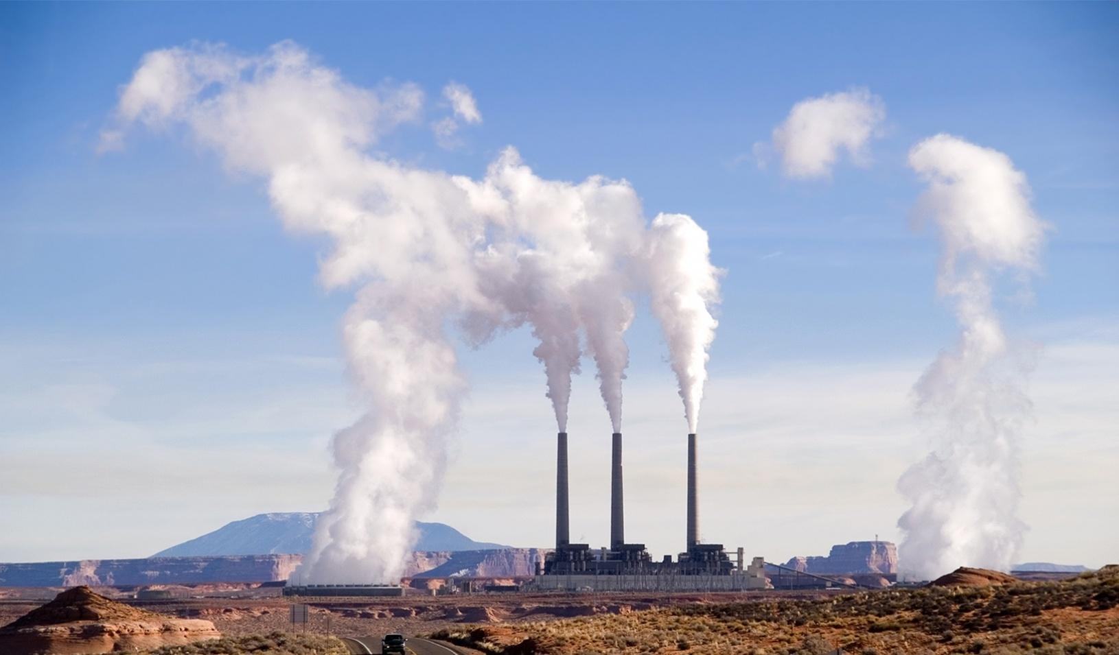 Emisné povolenky dosiahli rekord, dvíhajú cenu elektriny