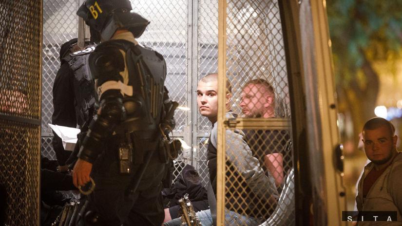 Sei mesi di reclusione e 3 anni di espulsione per gli ultras di via Venturska