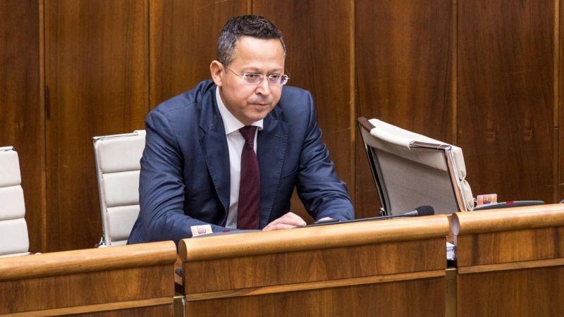 Minister Kamenický: musíme okresať sociálne balíčky