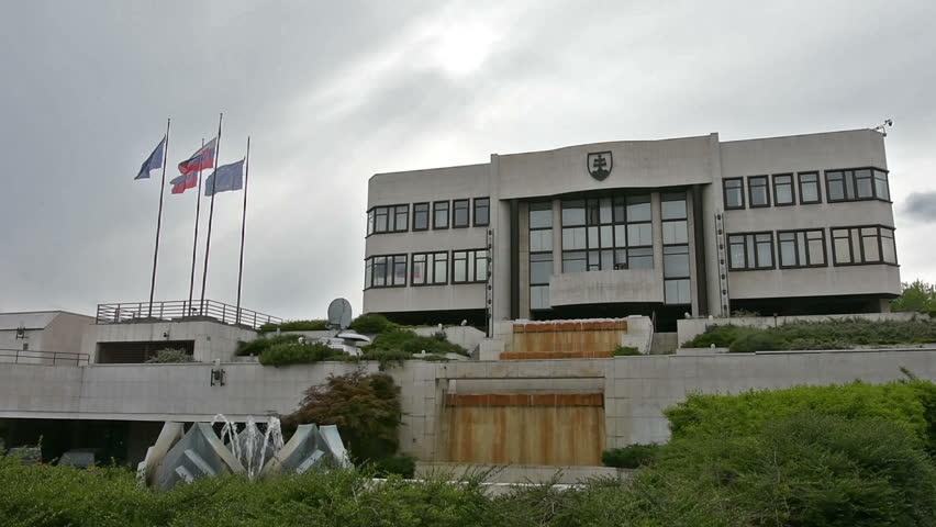Cséfalvayová lascia Most-Híd, coalizione perde maggioranza