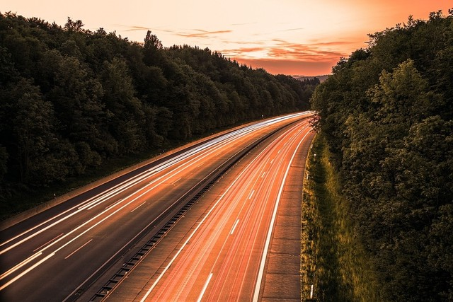 highway-3010146_960_720.jpg