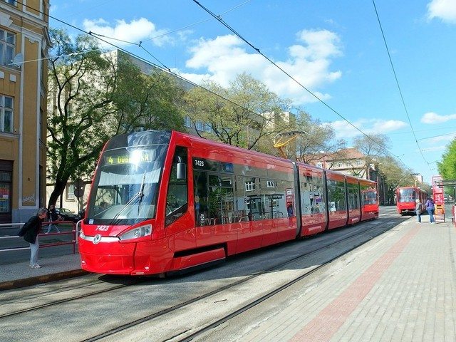 transport tram.jpg
