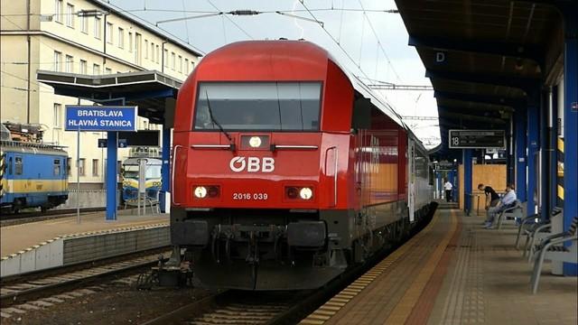 rail hlavna.jpg
