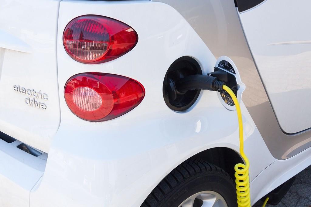 electric-car-734573_1280.jpg