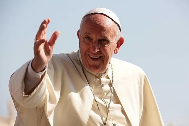Pápež František plánuje v septembri navštíviť Slovensko - camit.sk